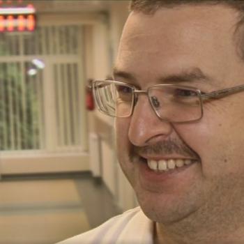 """Вусатий листопад"""": вінницькі лікарі-онкологи відрощують вуса"""
